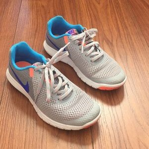 Nike flex experience rn 5 running shoes 7 like new